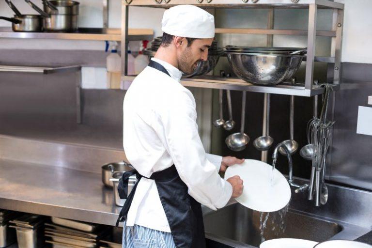 Higiene na cozinha e higienização do hortifrúti em casa
